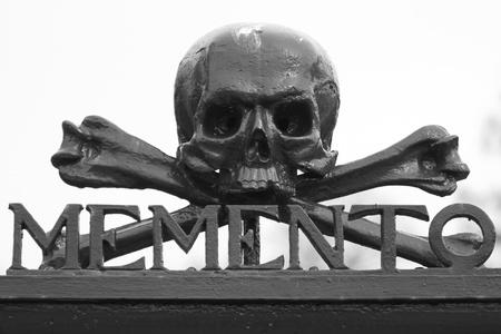 mori: A skull at a graveyard (Memento Mori)