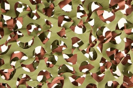 netting: Camouflage net geà ¯ soleerd op een witte achtergrond
