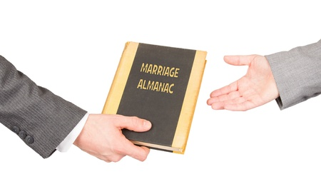 almanak: Man en vrouw die een huwelijk almanak, het redden van haar huwelijk