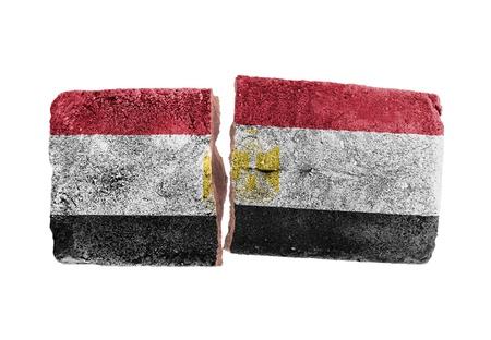 bandera de egipto: Ladrillos rotos en bruto, aislado en fondo blanco, la bandera de Egipto Foto de archivo