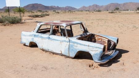 abandoned car: Coche abandonado en el desierto de Namib, Namibia Foto de archivo