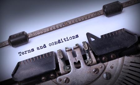 Vintage inscriptie gemaakt door oude schrijfmachine, Algemene voorwaarden