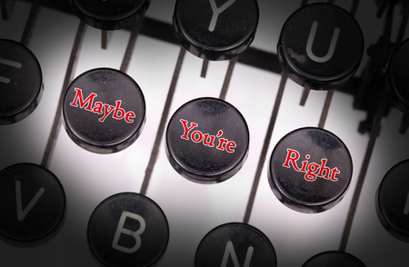 möglicherweise: Schreibmaschine mit Sondertasten, vielleicht - du bist - rechts