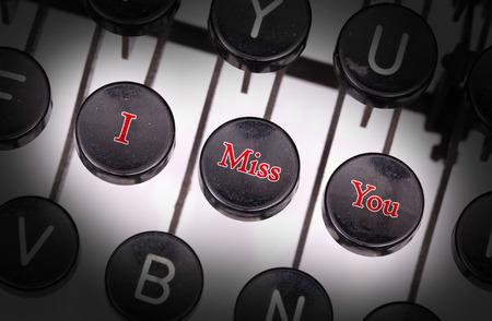 te extra�o: M�quina de escribir con botones especiales, te echo de menos
