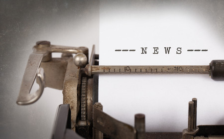 Vintage inscription faite par vieille machine à écrire, nouvelles Banque d'images - 39796543