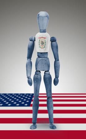 body paint: Antigua figura de madera de maniqu� con US West Virginia Estado pintura corporal bandera
