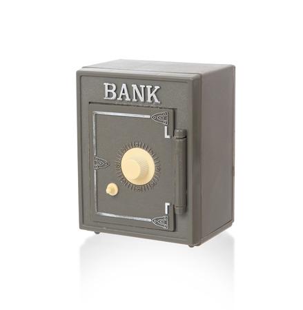 caja fuerte: caja de pl�stico de edad, aislado en blanco