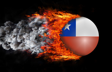bandera de chile: Bandera de Chile con una estela de fuego y humo Foto de archivo