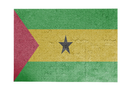 linkages: Large jigsaw puzzle of 1000 pieces - flag - Sao Tome and Principe Stock Photo