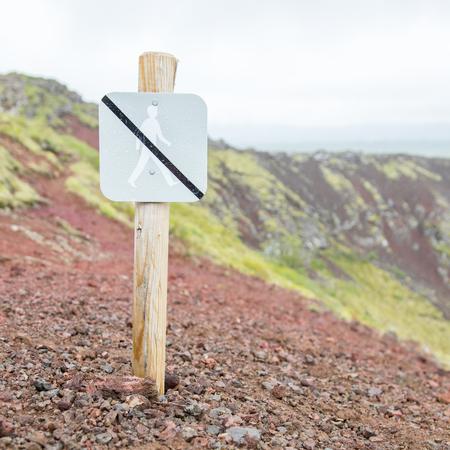 prohibido el paso: Prohibido caminar por aquí Iniciar sesión en Islandia