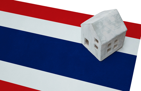 Small house on a flag - Living or migrating to Thailand
