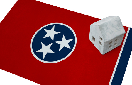investment real state: Small house on a flag - Living or migrating to Tennessee