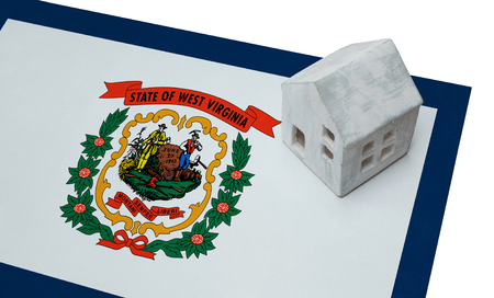investment real state: Small house on a flag - Living or migrating to West Virginia