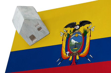 Small house on a flag - Living or migrating to Ecuador