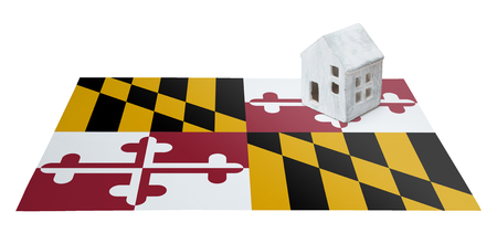 investment real state: Small house on a flag - Living or migrating to Maryland