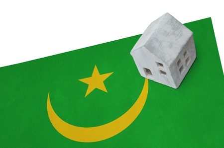 Small house on a flag - Living or migrating to Mauritania