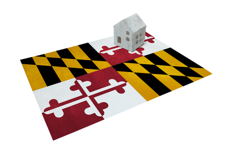 maryland: Small house on a flag - Living or migrating to Maryland