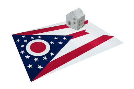 Small house on a flag - Living or migrating to Ohio