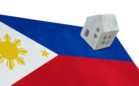 Small house on a flag - Living or migrating to Philippines