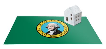 investment real state: Pequeña casa en una bandera - Vivir o migrar a Washington