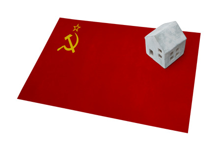Small house on a flag - Living or migrating to USSR