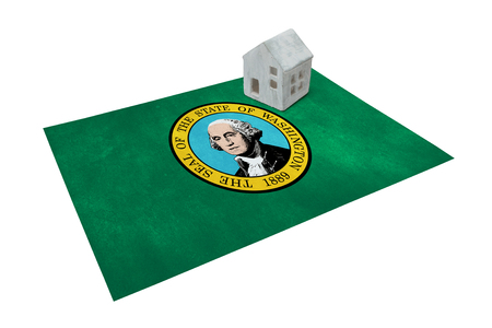 investment real state: Small house on a flag - Living or migrating to Washington