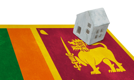 Small house on a flag - Living or migrating to Sri Lanka