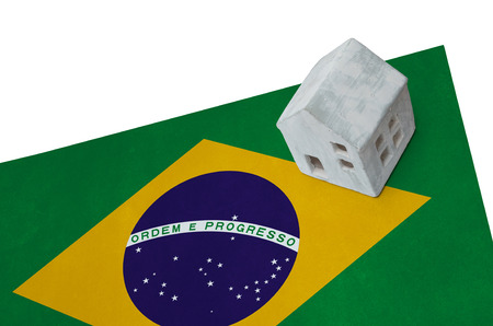 Small house on a flag - Living or migrating to Brazil