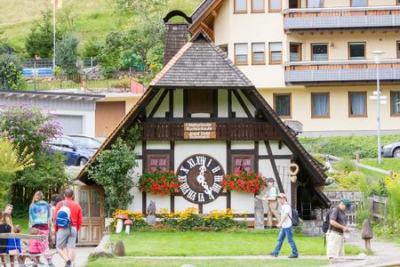 Biggest Cuckoo Clock in the World at Schonach Éditoriale