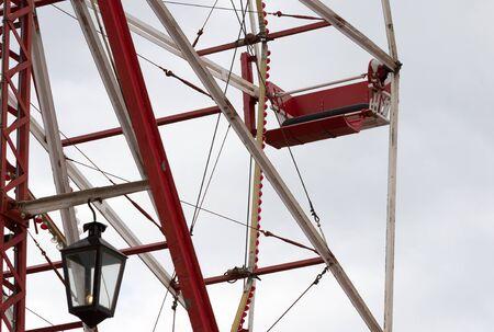 Old ferris wheel in use - Empty carts Stock fotó