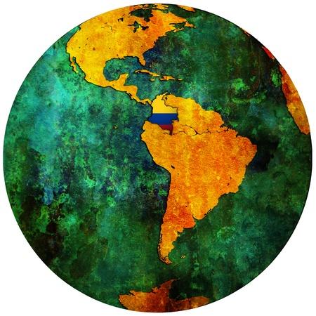south america: territorio de Colombia con la bandera en el mapa del mundo