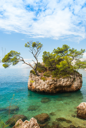 Photo of famous rock in Brela, Makarska Riviera, Croatia Zdjęcie Seryjne - 47176754