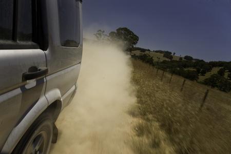 dirt track road au