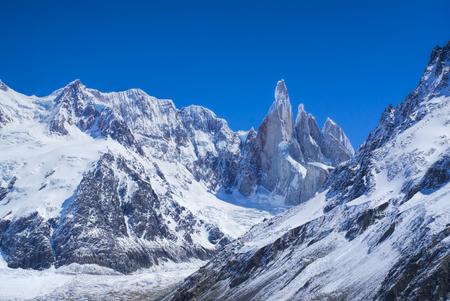 los glaciares: Montagne nel parco nazionale del famoso argentino Los Glaciares