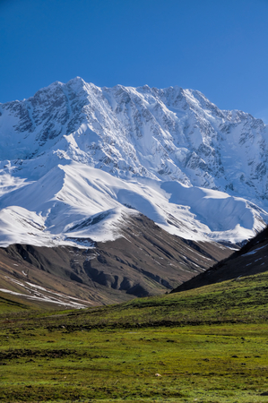 mestia: Picturesque view of mountains between Mestia and Ushguli,contrasting colours
