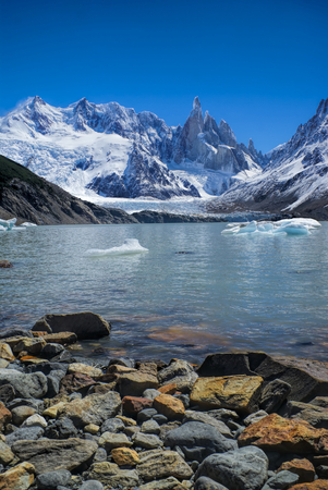 los glaciares: Scenic view of rocky shore in Los Glaciares National Park Stock Photo