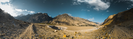 Scenic panorama of sunrise in valley of Karakoram Mountain Range in Pakistan. Standard-Bild