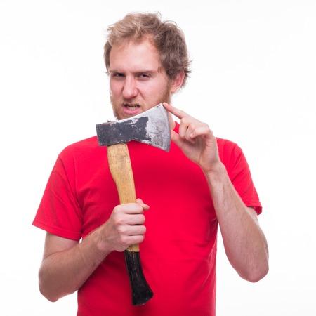 venganza: Hombre enojado que sostiene un hacha afilada - lanzamiento del estudio Foto de archivo