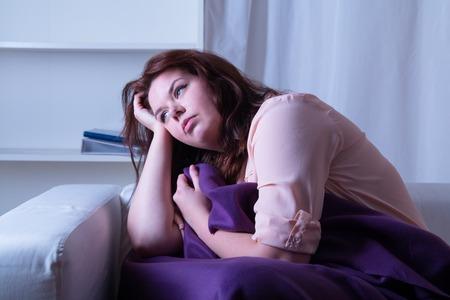 insomnio: Mujer que sufre de insomnio - lanzamiento del estudio Foto de archivo