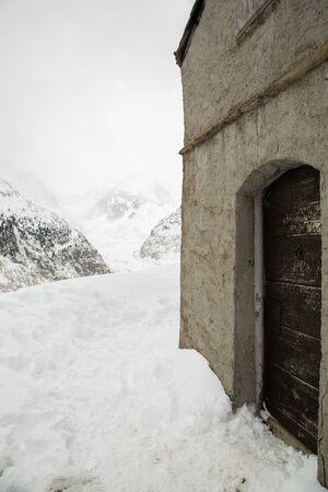 Alpine shelter in Mer de Glace valley under Mont Blanc massif in French Alsp Reklamní fotografie