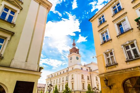 Old town square with town hall in city of Kalisz in Poland Stockfoto