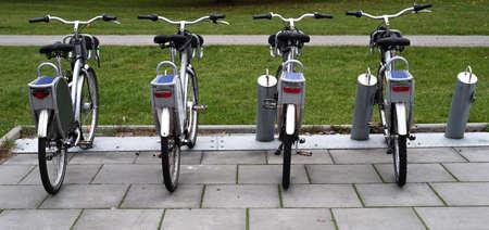 four city bikes for rent 免版税图像 - 157961933