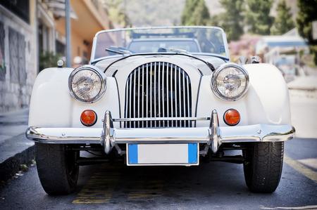 auto old: Frente de un viejo coche