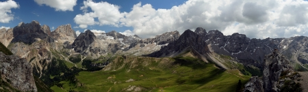 European alps, Italian Dolomites Panorama during a bright blue summer day. Stock Photo - 18019112