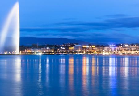 湖ジュネーブ スイス連邦共和国の夜
