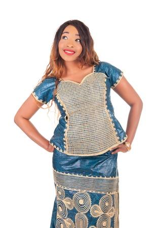 mannequin africain: belle jeune mannequin africain isol?