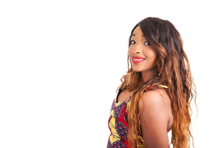 mannequin africain: belle jeune mannequin africain isol�