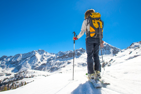 Girl makes ski mountaineering, ski trails Randonnee