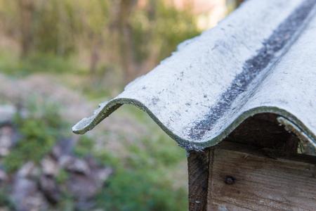 Roof particular asbestos outdoor Standard-Bild