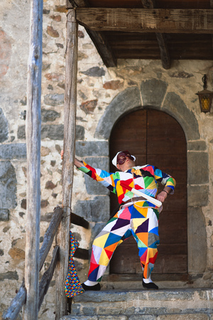The mask of Arlecchino. Play outside the home
